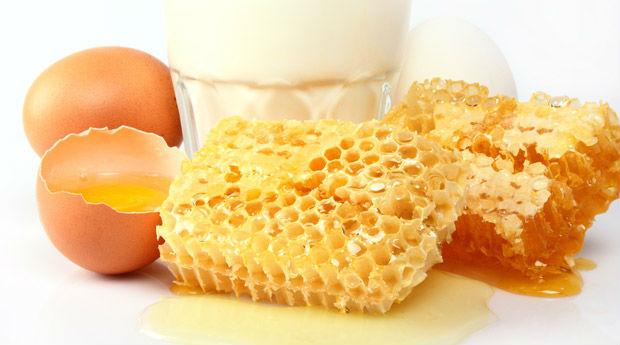 Мед, яйцо и молоко