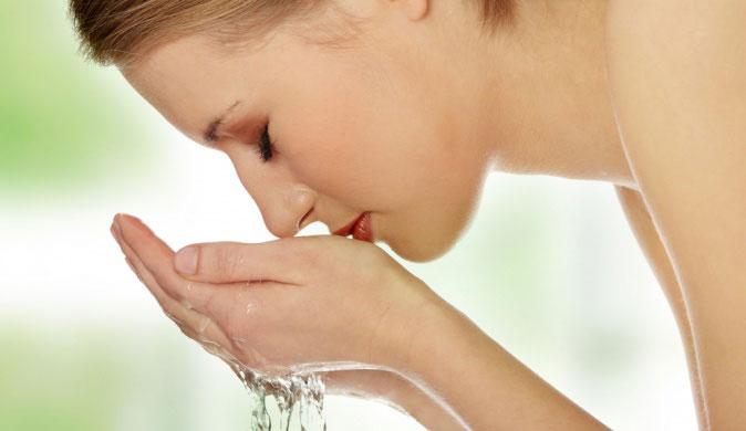 Умывание водой