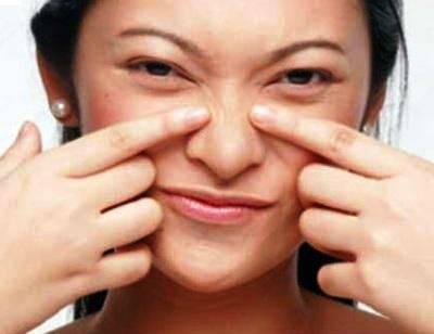 привычка трогать лицо руками