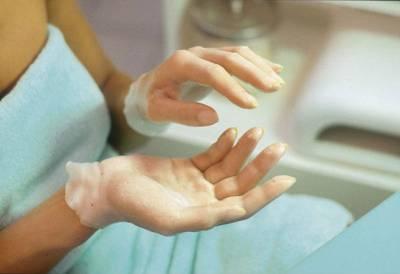 Парафиновая маска для кожи рук