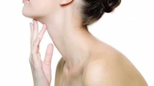 Молодая кожа шеи