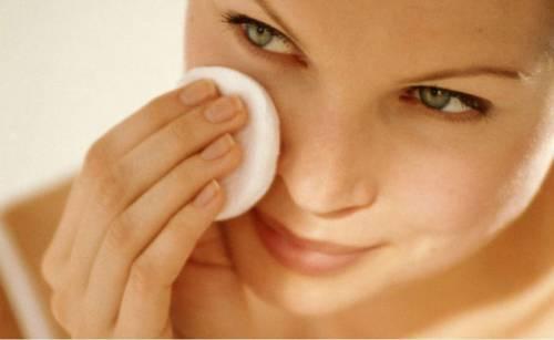 Протирание кожи ватным диском