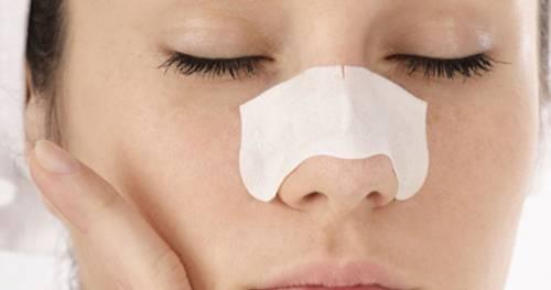 Очищение носа от черных точек
