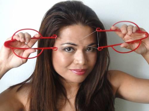 Устройство для удаления волос ниткой