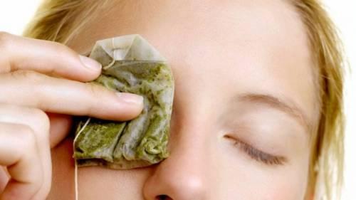 Примочки на глаза из чайных пакетиков
