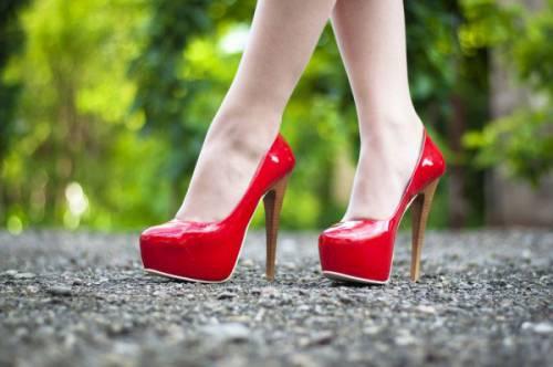 Туфли на платформе и высоких каблуках