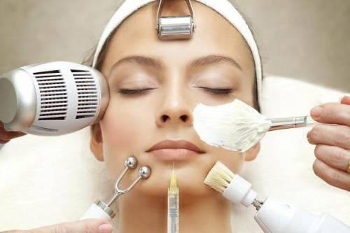 Процедуры в косметологическом салоне