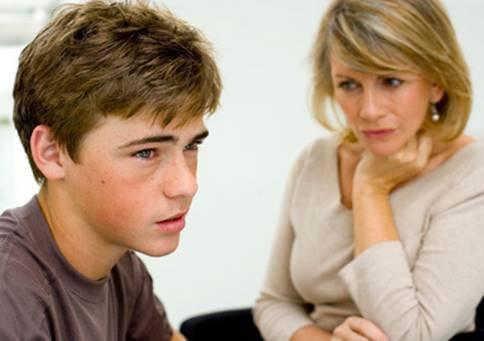 Подросток с мамой