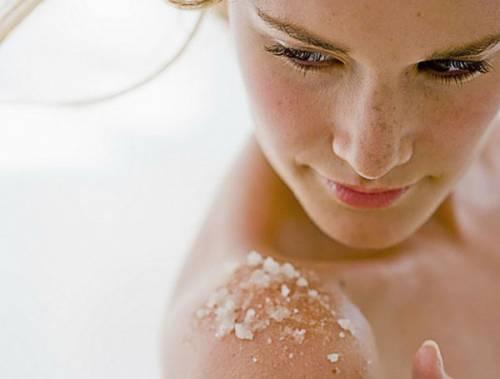 Очищение кожи скрабом