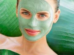 Зеленая глиняная маска