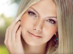 Красивая кожа лица у девушки