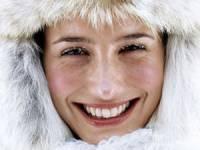 Девушка на улице в мороз